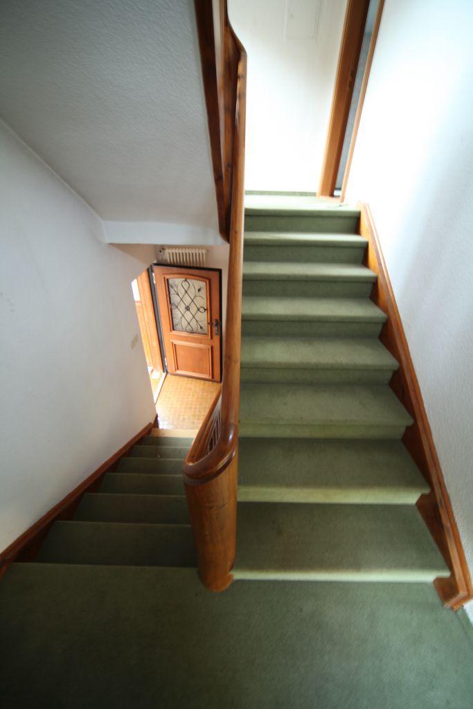 treppenhaus-kfw-sanierung- vorher