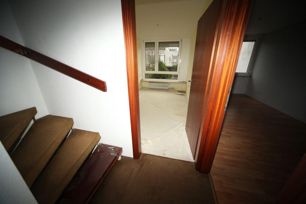 treppenhaus-renovierung-vorhher
